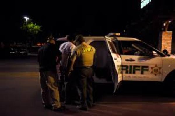 Investigan posibles redes de tráfico de personas detrás de vendedores ambulantes