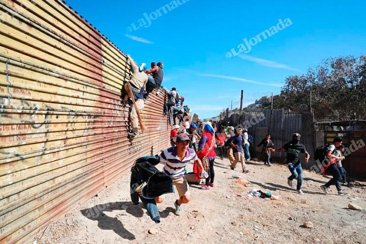 Pentágono libera 3 mil 800 millones de dólares más para el muro