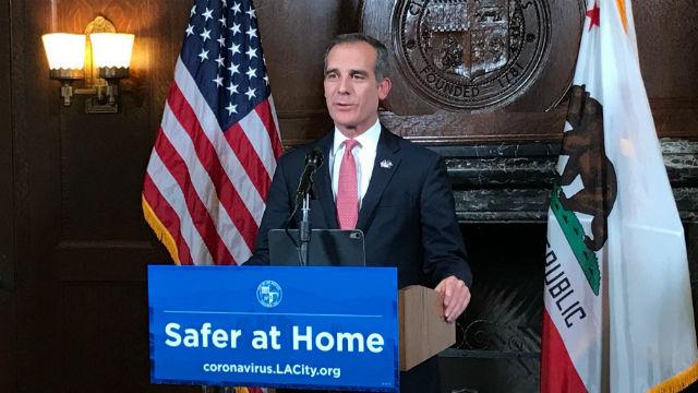 En Los Angeles, 37 fallecidos y 2,100 casos confirmados de COVID-19