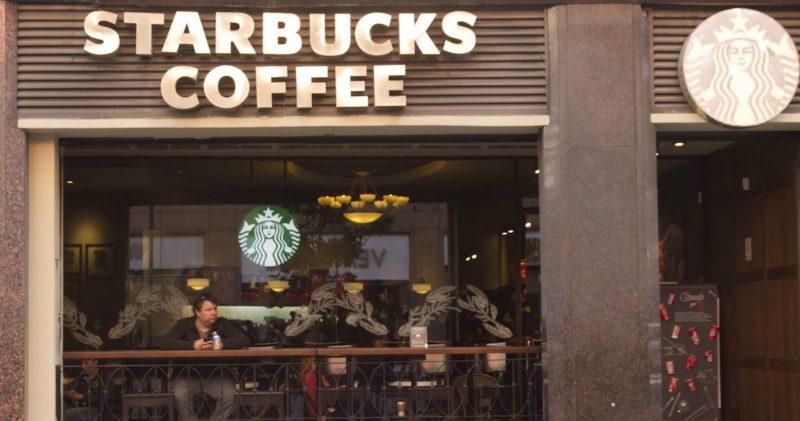 """Domino's, Starbucks, Burger King, Vips y más piden a sus empleados """"ausencia voluntaria""""… sin pago"""