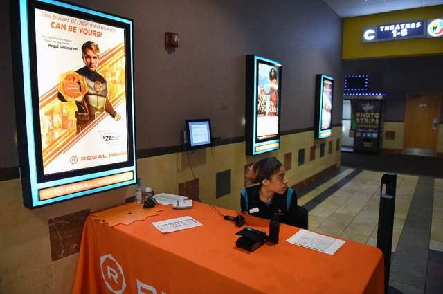 Covid-19 afecta taquillas de cines en América del Norte