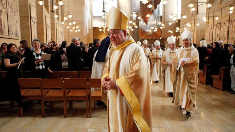 Arquidiócesis de Los Ángeles suspende misas por pandemia COVID-19