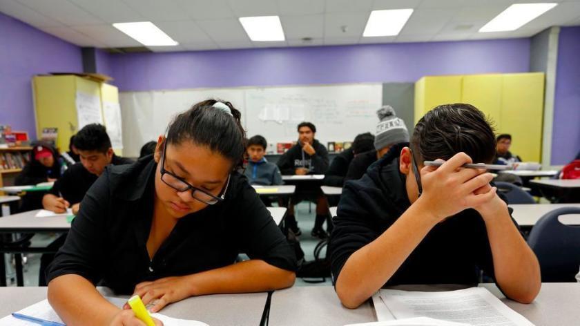 Suspende el gobernador Newsom las pruebas estandarizadas en lo que resta del año escolar. Maestros respaldan la medida
