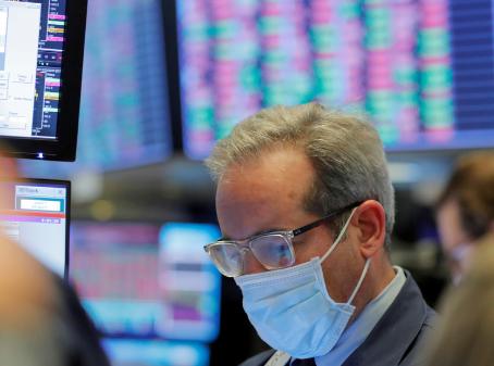 Video: Wall Street se desploma en medio de la pandemia de coronavirus, a pesar de las medidas anunciadas por la Fed
