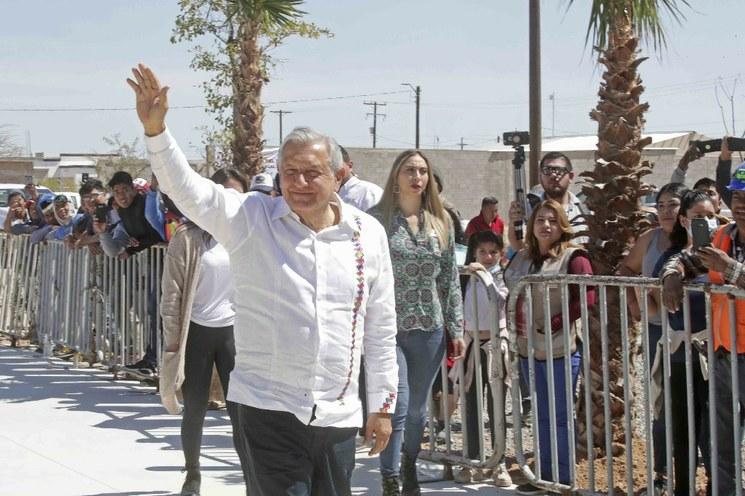 """En Sonora, AMLO alerta sobre """"fuerte crisis económica"""" por el Covid-19. Afirma que para protección de los pobres, asigna 500 mil millones de pesos"""