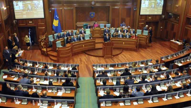 Destituyen al primer gobierno, de Kosovo, por la gestión de la crisis del coronavirus