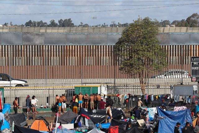 EU deportará de forma inmediata a migrantes que ingresen por México