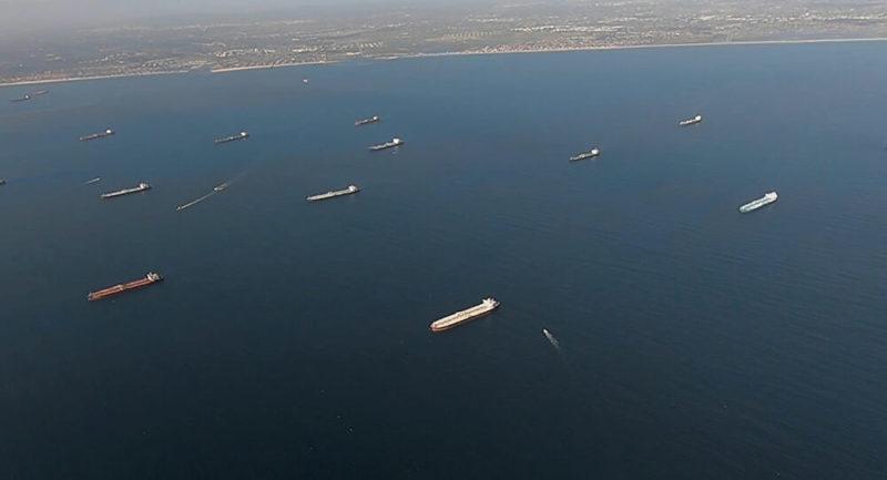 Video: Petroleros varados en las costas de California evidencian la crisis de sobreproducción en EU