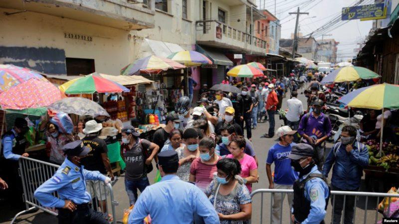 Miles son detenidos en Centroamérica por violar toque de queda para contener coronavirus