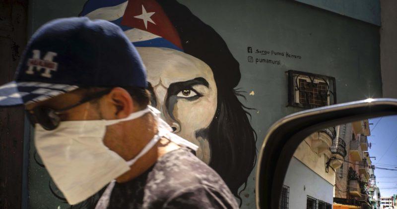 Cuba anuncia el envío de médicos especialistas a México, en apoyo a la lucha contra el coronavirus