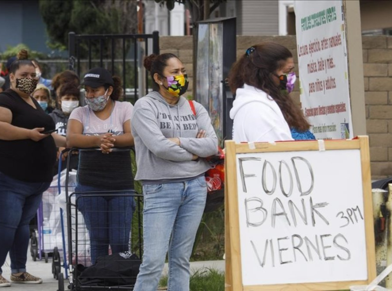 El gobernador Newsom anuncia acciones para combatir la inseguridad alimentaria que afecta a golpeados por la pandemia