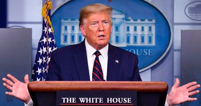 Desde esta noche, los ciudadanos de EU deben usar mascarillas al salir de casa, recomienda Trump