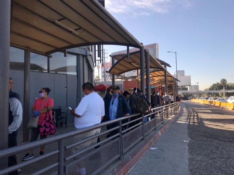 Registran más de 3 horas de fila para cruzar la frontera