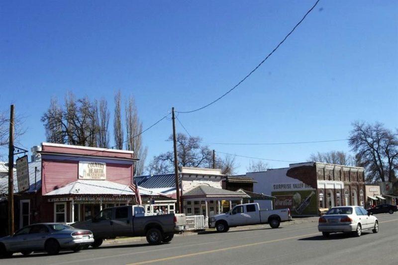 El condado norteño de Modoc se convirtió hoy en el primero de California en reabrir empresas, escuelas e iglesias
