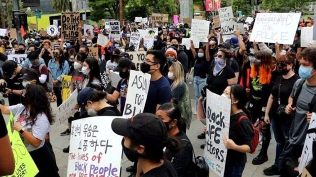 Una treintena de protestas sabatinas en Los Angeles y Orange en demanda de justicia para la comunidad afroamericana