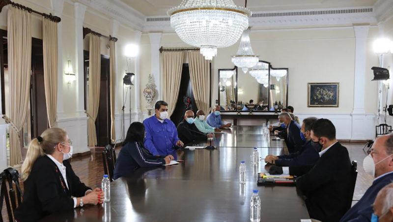 Maduro sostuvo una reunión de dos horas con representantes de la oposición venezolana