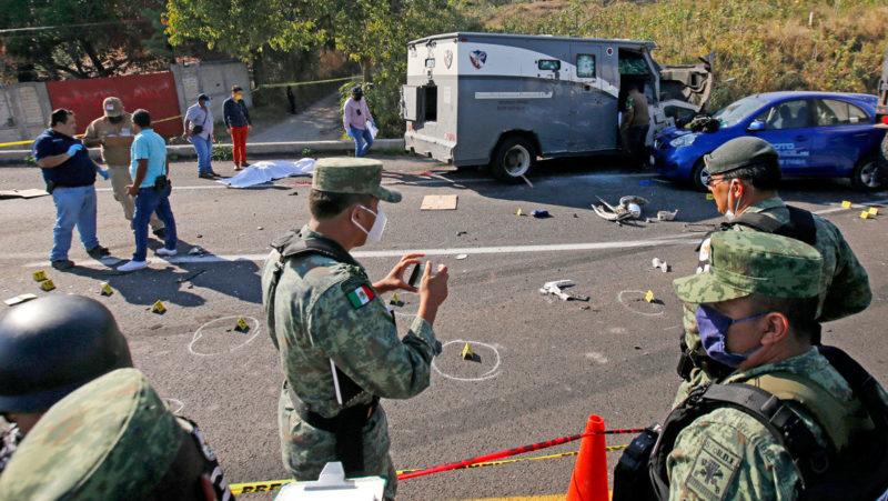 Esta fue una de las semanas más violentas: enfrentamiento entre maleantes, hallazgo de decenas de cadáveres y un atentado