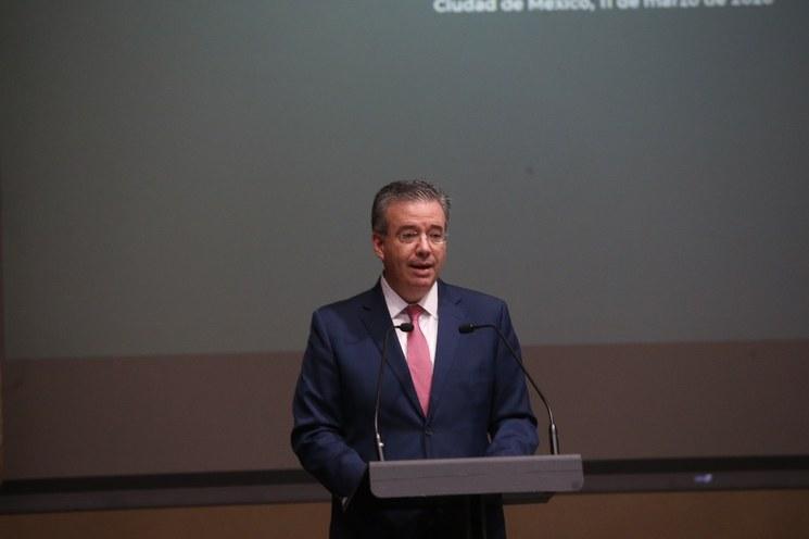 Sólido sistema financiero enfrentará debilidad económica:, afirma el titular del Banco de México