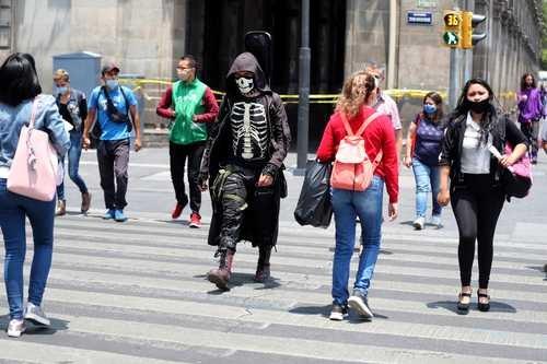 En riesgo de sufrir Covid grave, 47% de habitantes de la Ciudad de México