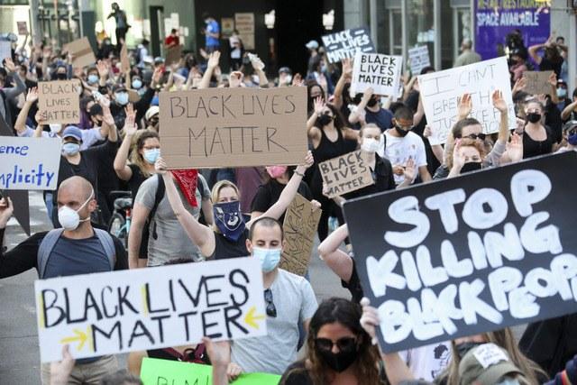 Repudian amenazas de Trump; protestan en más de 140 ciudades de EU