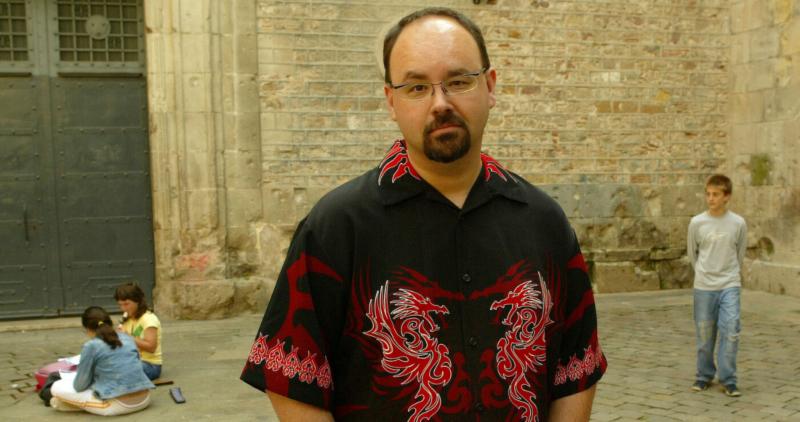 Carlos Ruiz Zafón, el escritor español más leído después de Cervantes, fallece a los 55 años