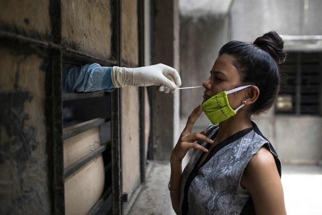 Casos de coronavirus rebasan los 9 millones  y 192 973 fallecidos en el mundo