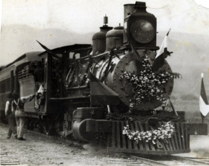 Escritores y máquinas de vapor en la web del Museo del Ferrocarril de SLP