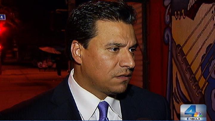 El concejal angelino José Huizar puede pasar hasta 20 años en la cárcel. Se le acusa de aceptar 1.5 millones de dólares en sobornos