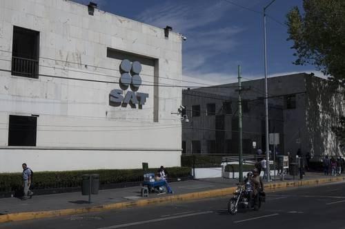 Fraude al fisco por 300 mil millones de pesos con facturas falsas, revela AMLO. Involucrados,  políticos y funcionarios de anteriores gobiernos, indica
