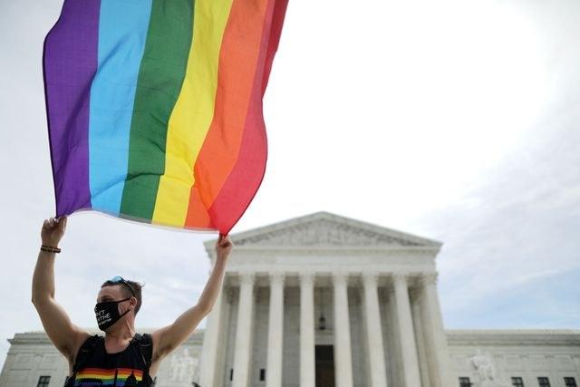 Corte de EU falla a favor de derechos laborales de la comunidad LGBTI