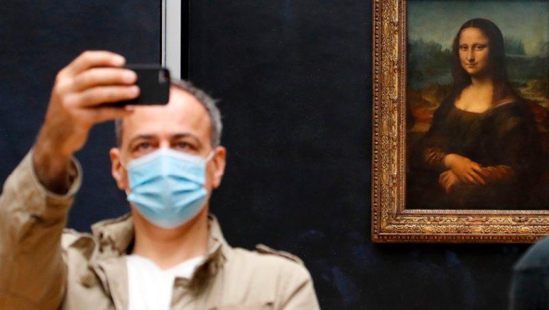 'La Mona Lisa' se vuelve a encontrar con su público: reabre el Louvre, el museo más visitado del mundo