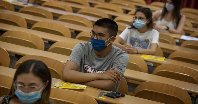 """La OMS acepta oficialmente que el coronavirus se contagia por aire. Pide """"estudios de urgencia"""""""