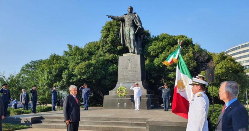 """Videos: """"¡No estás solo!"""" """"¡Es un honor…"""", gritan a AMLO. Cumple visita a Juárez y Lincoln"""