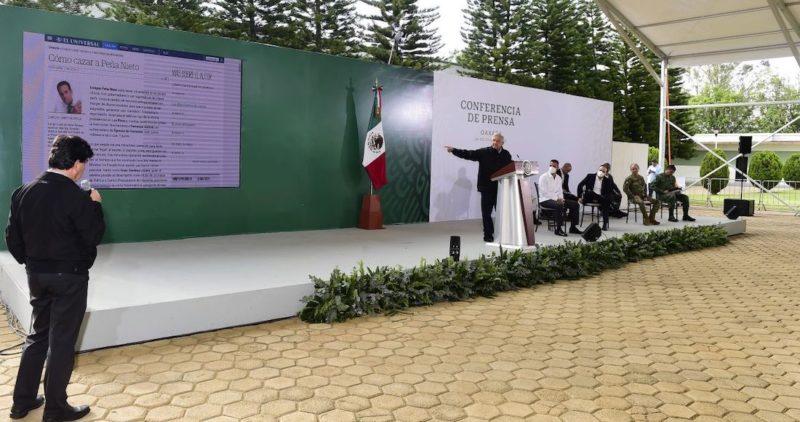 Con sarcasmo, AMLO usa textos de Loret para exhibir corrupción para aprobar el Pacto por México