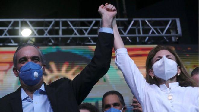 Elecciones en República Dominicana: el candidato opositor Luis Abinader se alza como claro ganador