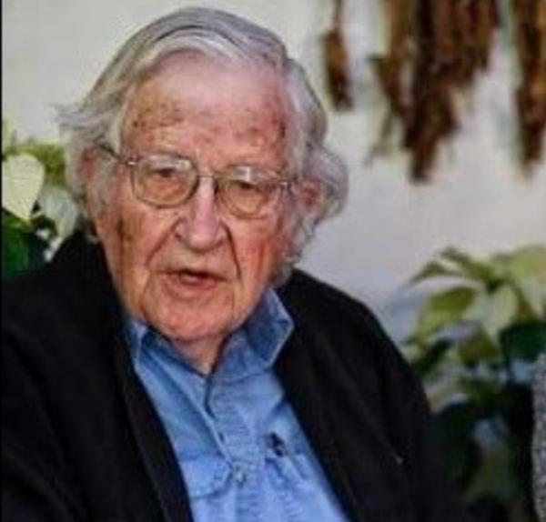 """Chomsky: """"sin precedente el intento de Trump de mantenerse en el poder"""". Actúa, dice, como dictador fascista"""