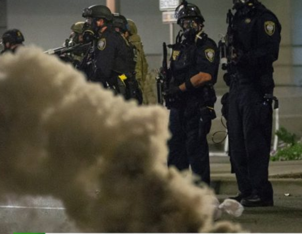 Videos: Trump utiliza agentes federales que hacen detenciones extrajudiciales a manifestantes a favor de Black Lives Matter, denuncia alcalde de Portland