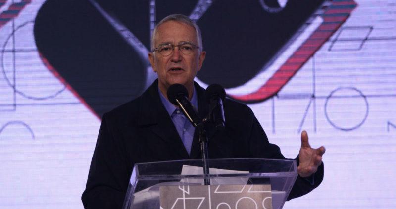 """""""La propuesta 'neocomunista' quiere regresarnos al 'agrario' y la servidumbre"""": Salinas Pliego, dueño de TV Azteca y Banco Azteca"""