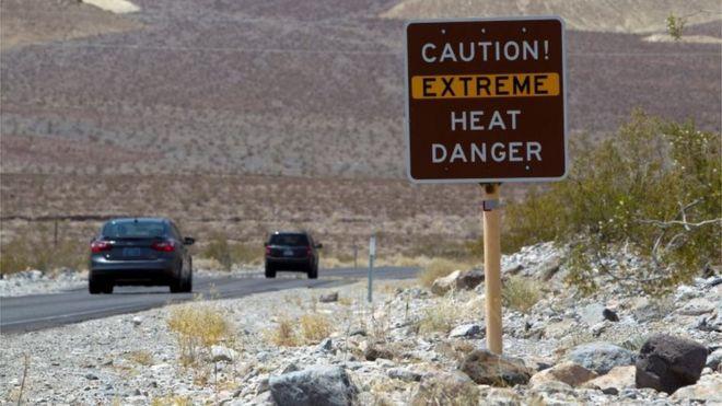 COVID-19 empieza a ceder, pero van al alza el extremo calor, incendios y apagones. Temperatura récord en el Valle de la Muerte: 129 grados