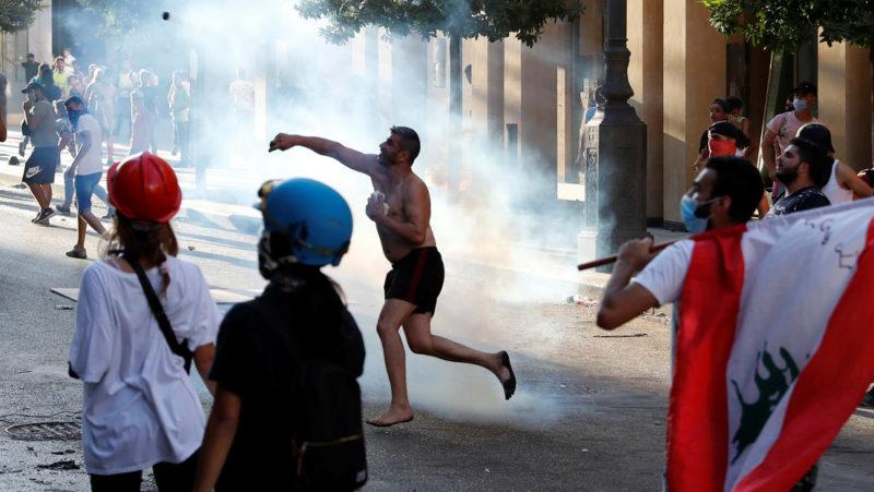 Video: Dimite el Gabinete del Líbano en medio de protestas tras la tragedia en Beirut