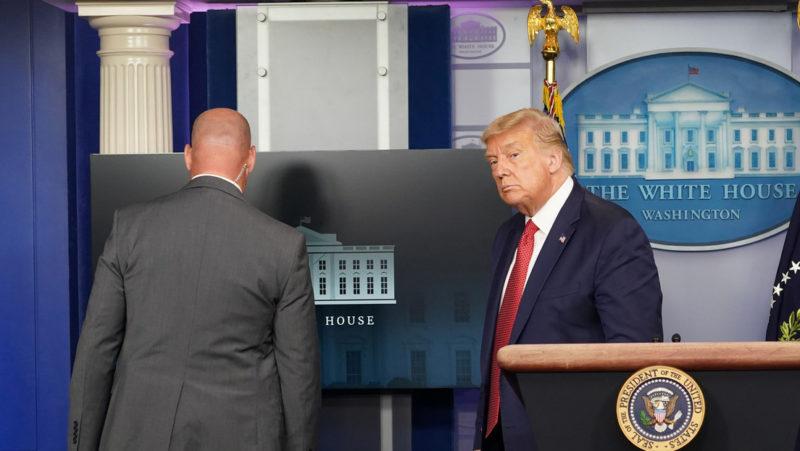 Video: Suspende Trump conferencia de prensa por tiroteo cerca de la Casa Blanca