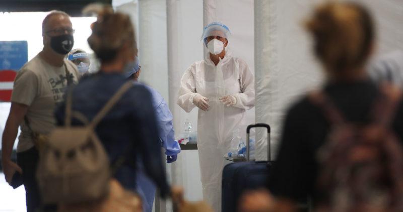 Grupo de investigación confirma que virus COVID-19 sí se transmite de persona a persona por el aire