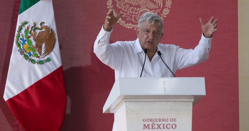 Ante denuncia del PRD y el PAN, el Instituto Nacional Electoral ordena a AMLO retirar spot donde habla del evangelio; atenta contra el Estado laico, dice