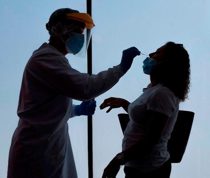 La COVID-19 mata a más de 750 mil personas en el mundo; América concentra 400 mil decesos: OMS
