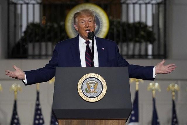 Trump se declara único salvador de Estados Unidos
