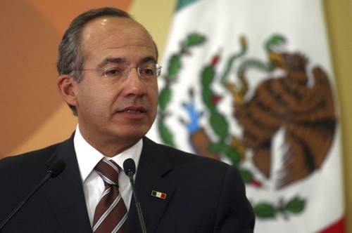 Soy perseguido político de López Obrador, acusa Felipe Calderón