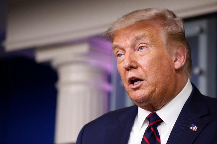 Facebook retira video de Trump por desinformar sobre el Covid-19