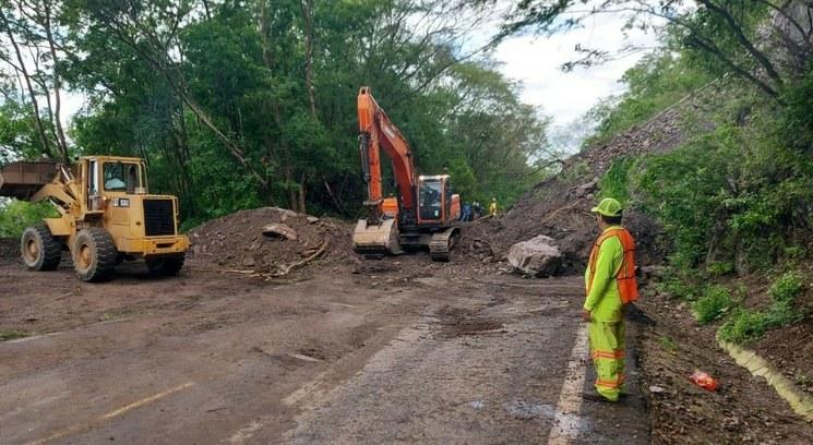 Lluvias en Jalisco dejan 30 comunidades incomunicadas