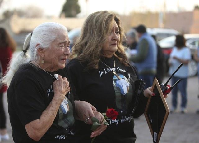 Ciudad en Nuevo México pagará millones por muerte de mexicoamericano causada por un policía