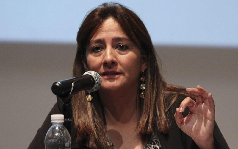 """Video: Periodistas y medios que con Peña Nieto defendieron la """"verdad histórica"""" sobre los 43, en la actualidad mantienen esa versión para confundir, denuncia la investigadora Angela Buitrago"""
